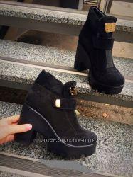Зимние ботиночки на платформе в наличии 36 размер