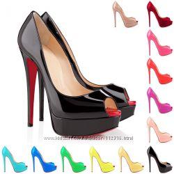 Яркие туфли. Большие размеры.