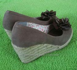 Новые текстильные туфли
