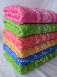 Полотенца в наличии разные цвета и размеры
