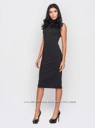 Платье строгое без рукавов