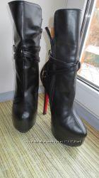 Деми ботинки Christian Louboutin 35р-23см