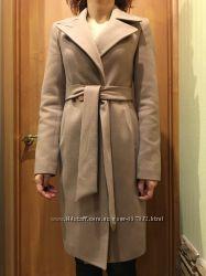 Продается бежевое пальто