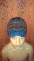 Продам стильную вязаную шапочку ручной работы