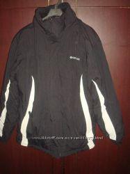 Шикарная термо  куртка SurfanicНепромокаемая, непродуваеммая.