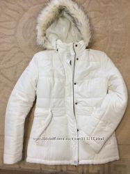 Продаю куртку молочно белого цвета