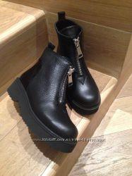 Очень стильные зимние ботинки для модниц