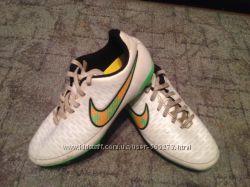 Футбольные бутсы Nike Magista 6-шипов.