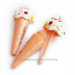 Блеск для губ Мороженое. Новое.