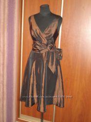 Нарядное платье р. 10