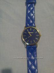 Женские наручные часы, много моделек