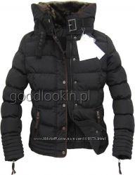 Теплая зимняя качественная стильная  куртка.