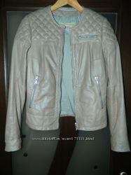 Фирменная кожаная куртка в идеальном состоянии, р-р 44