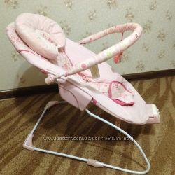 Продам красивое и удобное кресло-качалку для малышки