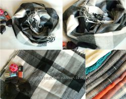 Черно-белый теплый нежный шарф в клетку