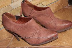 Сток Жіночі черевички, ботільйони, шкіра, 39 р.