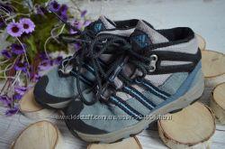 Деми ботинки Адидас р. 8, 5 стелька 16, 2 Состояние отличное