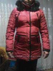 Красная зимняя курточка
