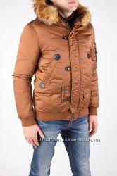 Мужская куртка под резинку зимняя.