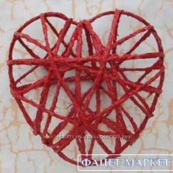 Декоративное плетённое сердце ручной работы для декора