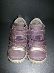 Продам замечательные ботиночки ECCO на девочку 23 размера