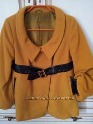 Кашемировое пальто горчичного цвета 38р