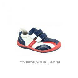 Детские кроссовки на мальчика 21-25