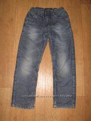 Продам джинсы на флисе YUKE рост 125-130см на мальчика