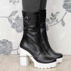 Модные кожаные ботинки на байке