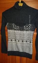 Стильный новый свитер оригинального кроя