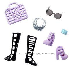 Набор обуви и аксессуаров для Barbie от Mattel. Оригинал.