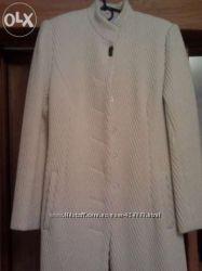 Демисезонное белое пальто S