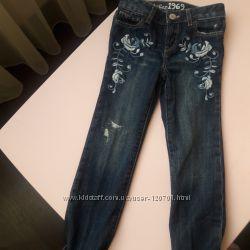 Новые джинсы GAP, размер 5Т