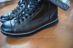 Зимние ботинки кеды 39 размер в идеальном состоянии