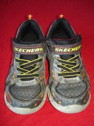 Кроссовки для мальчика Skechers 33, 5 по стельке 21см