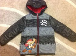 Курточка Disney на 5-6 лет