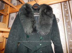 Пальто зимнее с роскошным воротником из песца