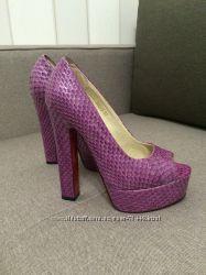 Туфли на каблуке с платформой 36, 5-37 размер.