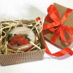 Подарок на 8 Марта - мыло-открытка ручной работы