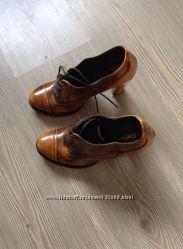 Описание лота  Туфли Cristina Lucchi 37  кожа
