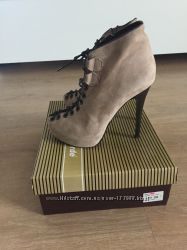 Стильные ботиночки Ferde  39 размер