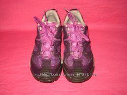 Фирменные кроссовки Quechua оригинал - 33 размер