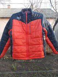 Куртка утепленная , укороченная на рост 152 см, воротник стойка.