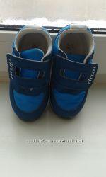 Суперудобные кроссовки для первых шагов