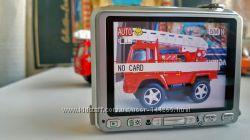 Фотоаппарат Fujifilm FinePix V10 с большим дисплеем и играми. сборка Япония