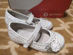 Туфли garvalin для девочки состояние новых
