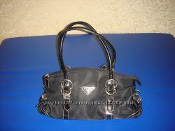 Маленькая черная сумочка Prada, бу.