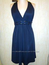 Коктейльное черное платье с открытой спинкой и с завязками на шее pimkie