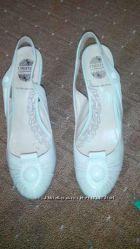 Продам кожаные туфли Сhester-Carnaby