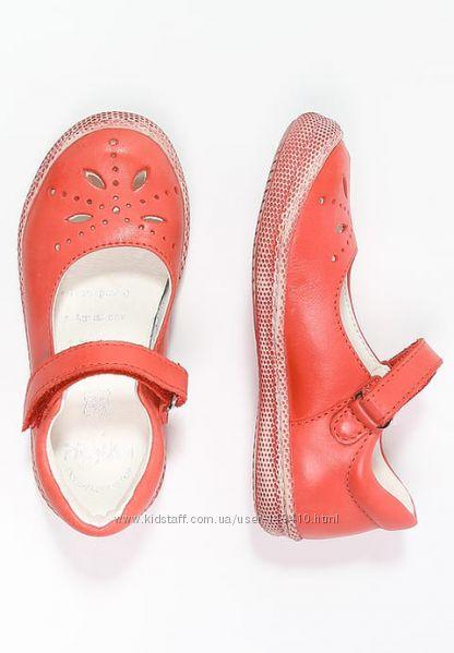 Кожаные туфли Primigi, размер 25, разные модели и расцветки